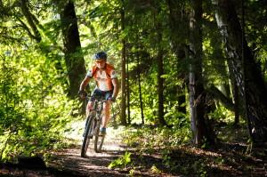 Cyklista v technické pasáži