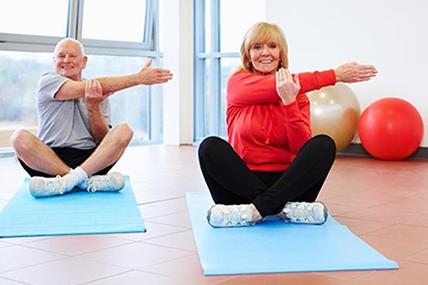 Laskavé cvičení pro nestárnoucí seniory