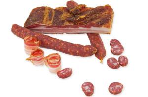 Uzená slanina a klobásky